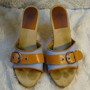 COACH Adorable Belted Wooden Heels Size 5